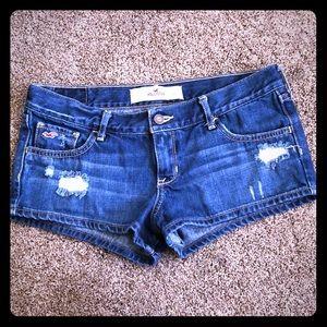 Distressed Hollister denim shorts!